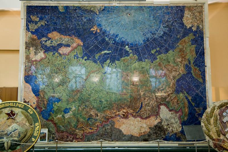 карта из минераловсамоцветов санкт-петербург музей чернышева геологичесий