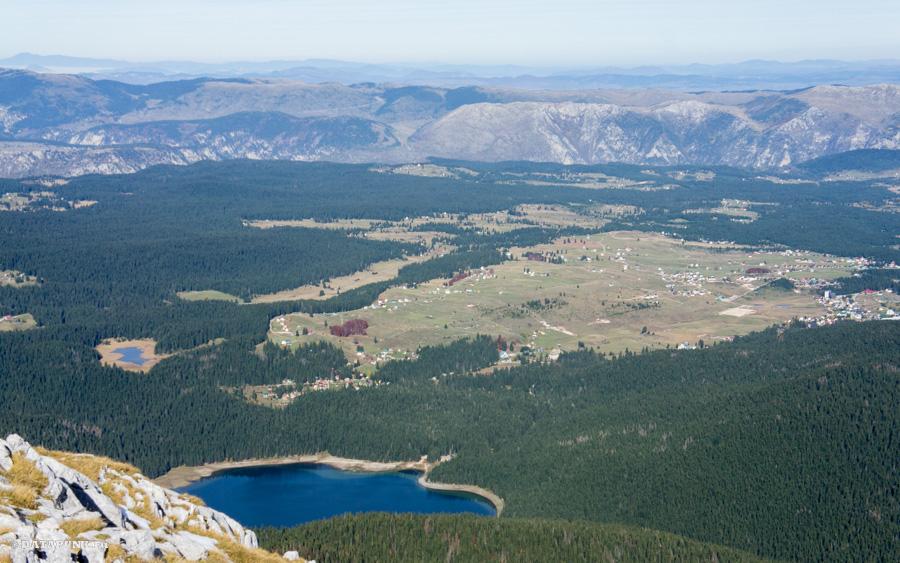 Вид на Черное озеро с горы Савин Кук (Черногория, 2015 год)