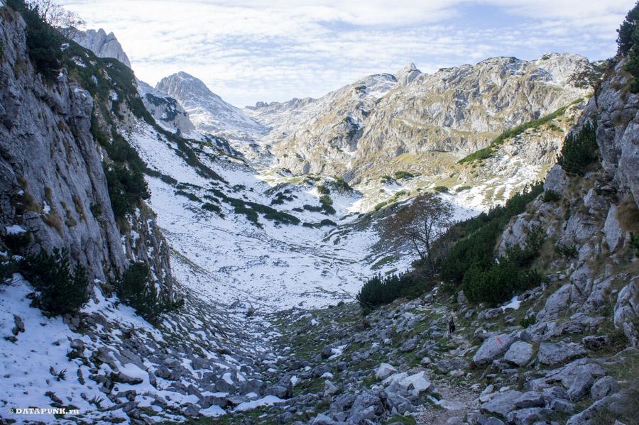 Распадок перед горой Боботов Кук, Черногория